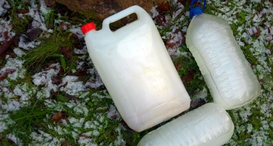 keep water bottles from freezing