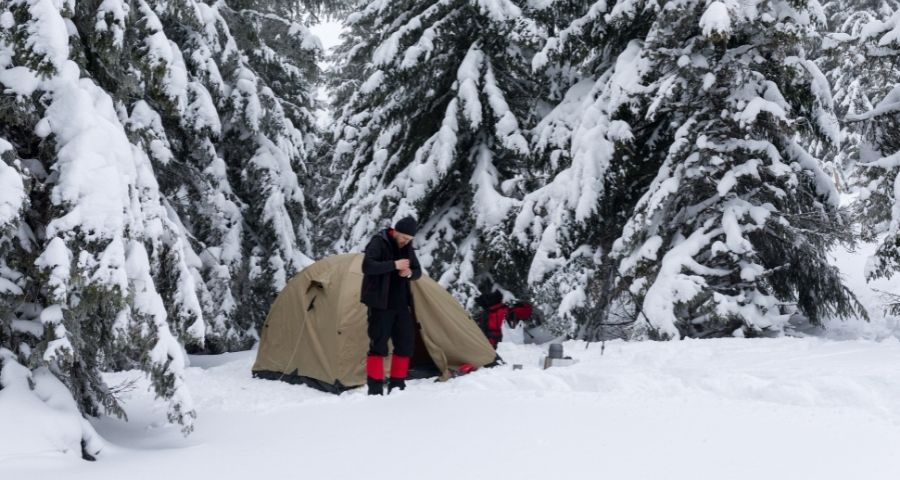 chose correct camping tent to avoid frostbite